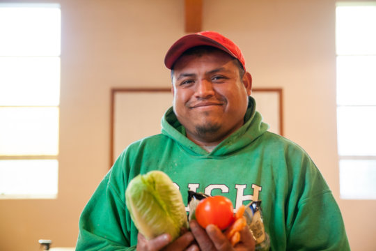 Migrant farmworker receives healthy food