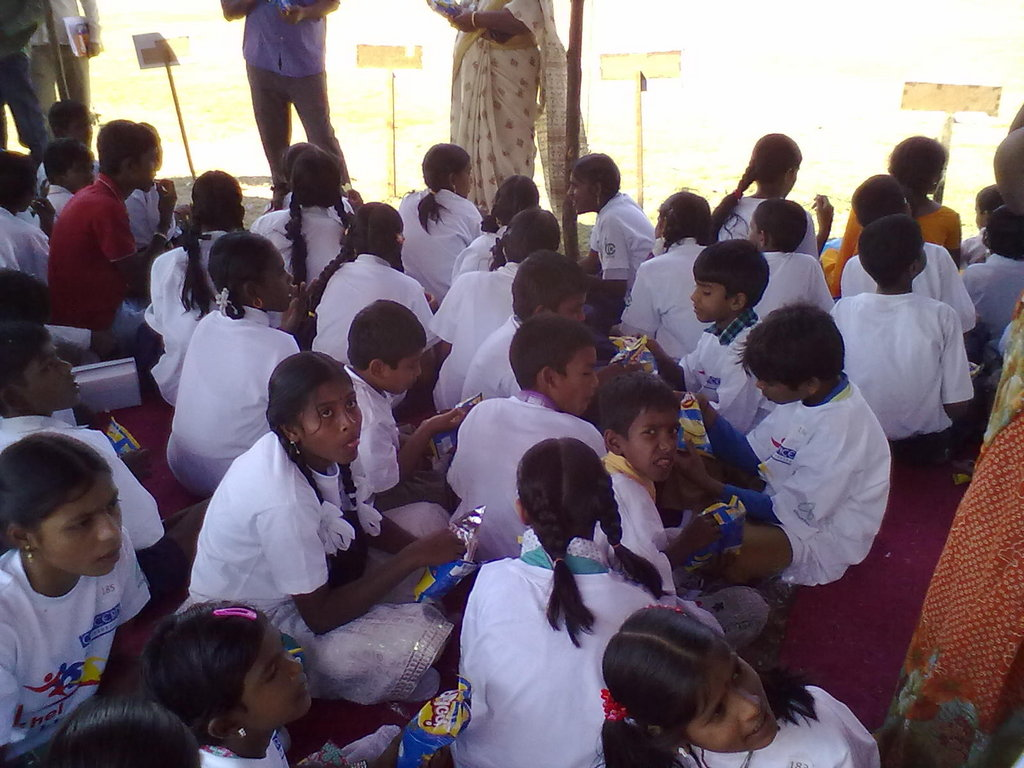 Give hope to 100 vulnerable children in India