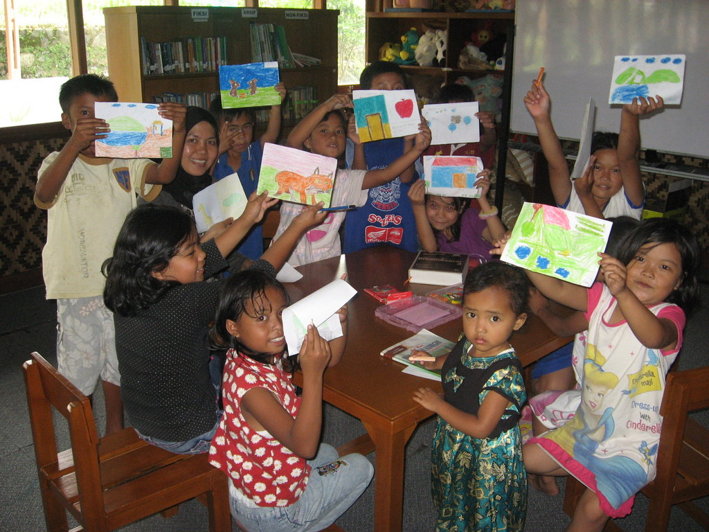 Inspire a love of reading for Indonesian children