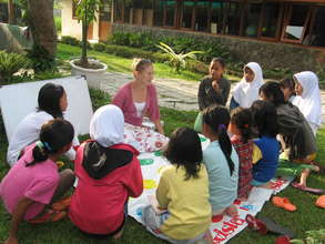 Outdoor English Class for visitor of the library