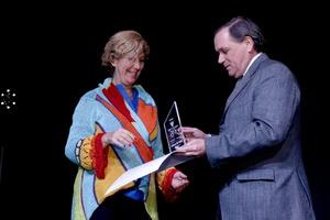 Silvana recieves the Vivalectura Award