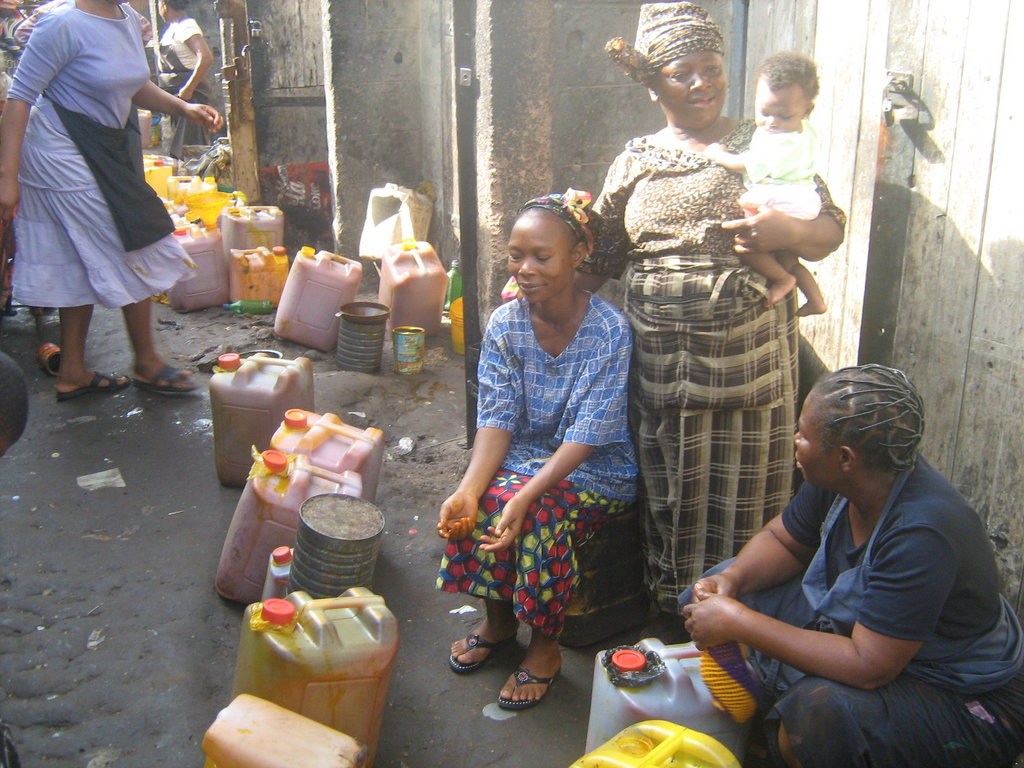 Help 300 African Women Entrepreneurs fight poverty