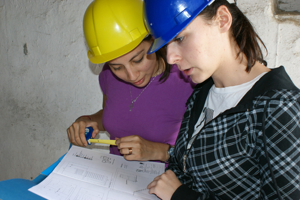 Albanian students receive funding  to join work