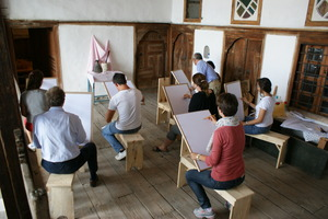 Drawing class at Skenduli option for volunteers