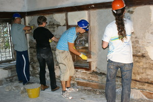 Re-plastering with lime plaster