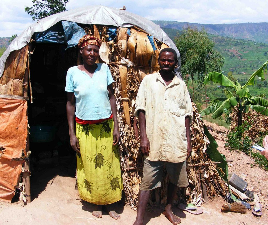 Build homes for an impoverished Rwandan community