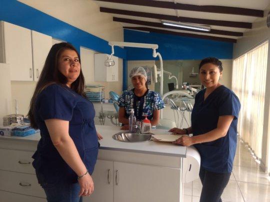 Paola Quinetros, Adela Maldonado, Nayda Apata