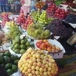 Pyramids of market produce