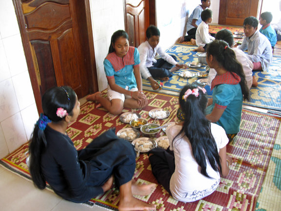 Food and Education for Cambodian Orphans
