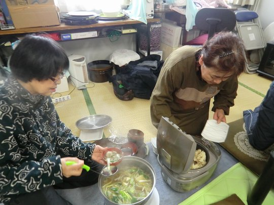 Residents prepared delicious lunch for the workers