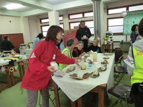 Food delivery (Kamaishi City, Iwate Prefecture)
