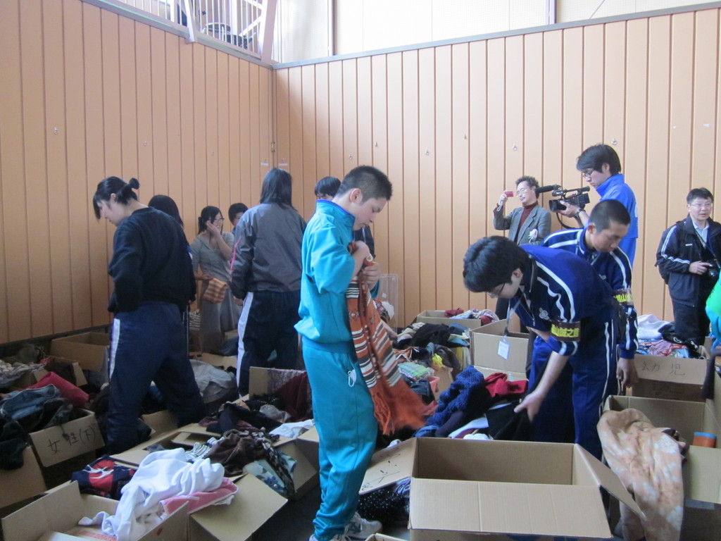 Students in Tohoku sorting out relief supplies