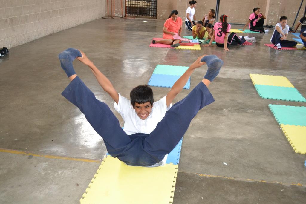 Jairo warming up for the exam