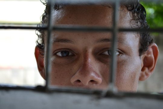 Help children in El Salvador overcome trauma