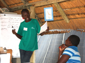 Tiras, an Eco-Club student, teaching the kids