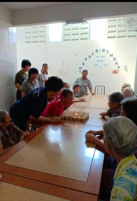 YAP celebrated B'day with residents of Ace Home