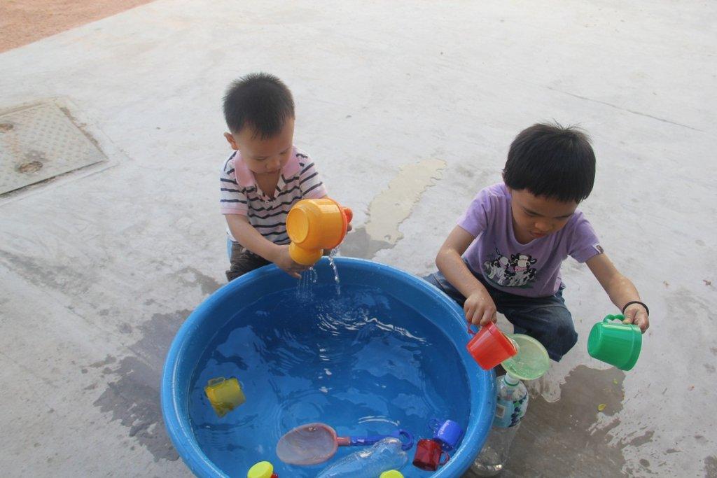EIP: Students having fun in water play activities