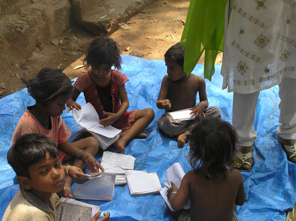 Care and educate slum kids in Guntur, India