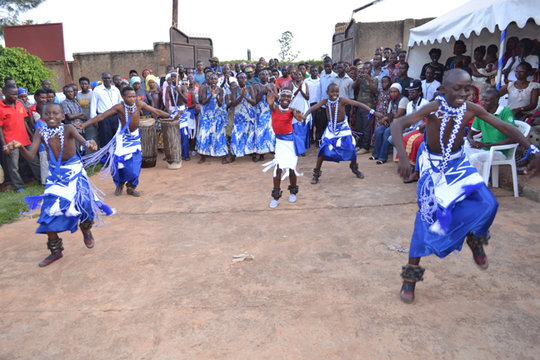 Dance Troupe Wins Award from Rwanda Womens Network