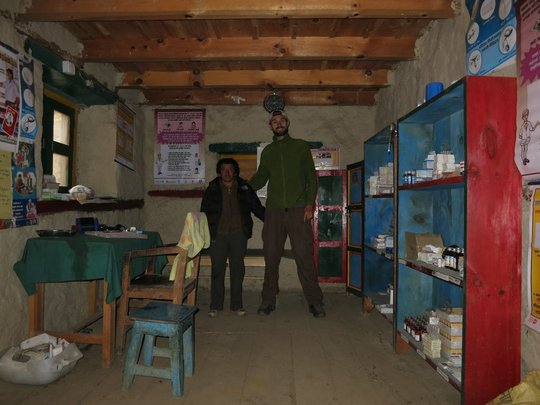 Dr Michael Niedermeier and Health worker Mingyur