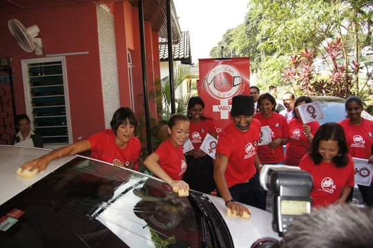 Washing cars to raise funds at the campaign launch