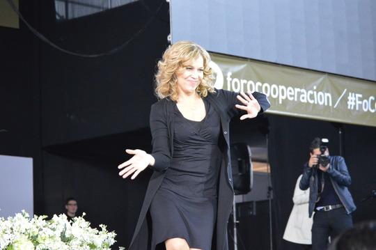 Christina Berton presents at FoCo 2014 in Lima