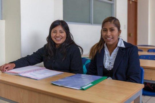 Lucero and Alexandra will graduate as accountants.