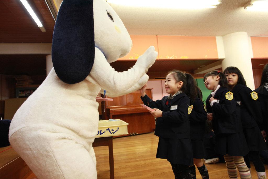 Nice to meet you! (at Tachibana Kindergarten)
