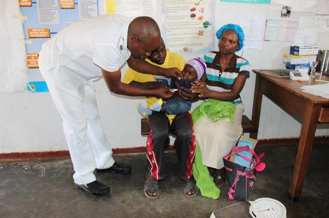 A family attends a healthcare check-up