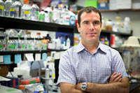 Dr. Alberto Martin
