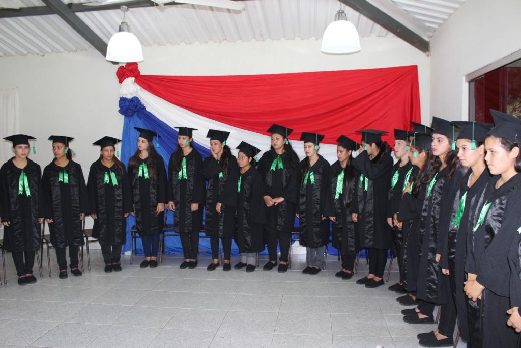 Twenty nine students graduate from CEM in 2015