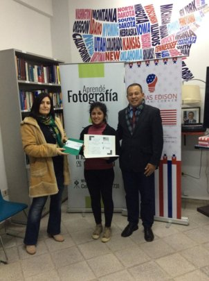 Astrid accepts Photography Prize