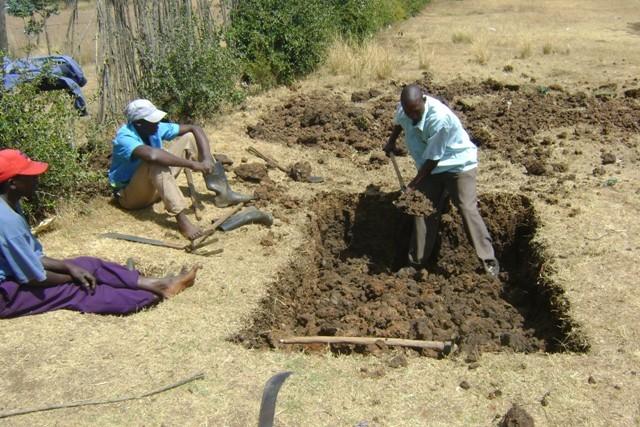 Excavation of latrines at Matuiku. GHARP/KRA