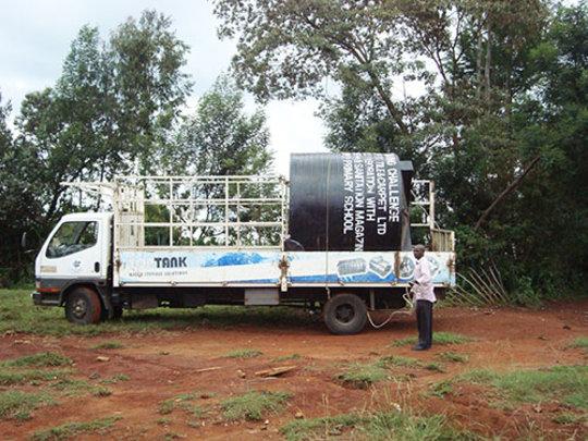 Water tank arrives at Matuiku Primary School
