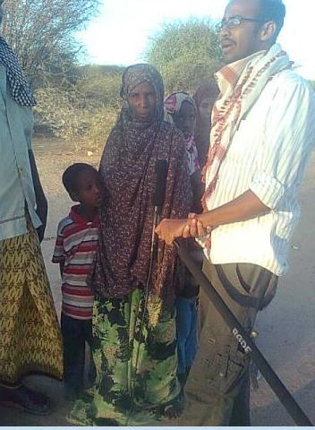 Survival Backpacks team interviews Somali refugees