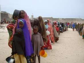 Displaced Somali Women Line Up for Food