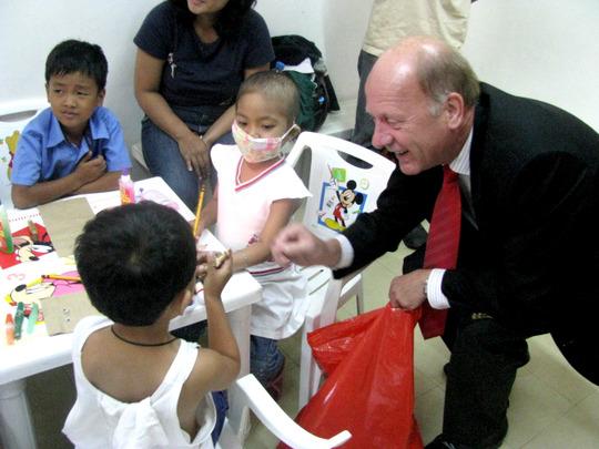 In Phil Gen Hospital child cancer ward