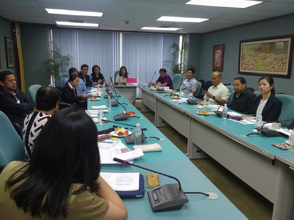 PSOD staff briefing government health officials