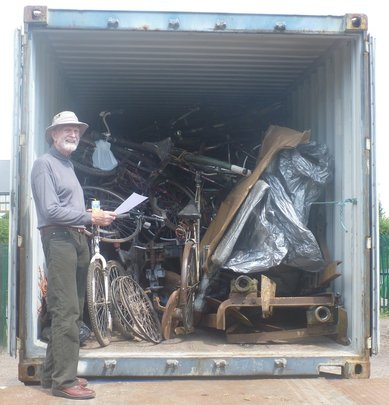 Geoff makes final checks to the loaded container