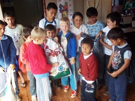 Entrega de donaciones en Misones