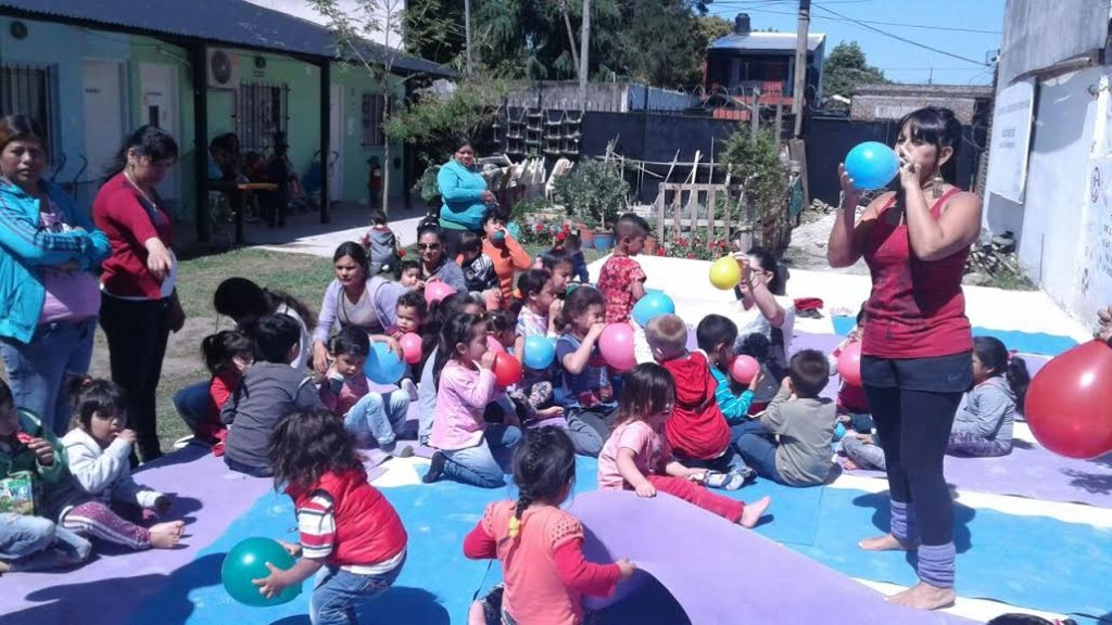 Fun Activity in Pequenos Pasos - Feeding Center