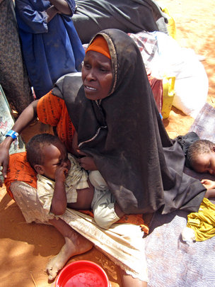 A Somali refugee and her child