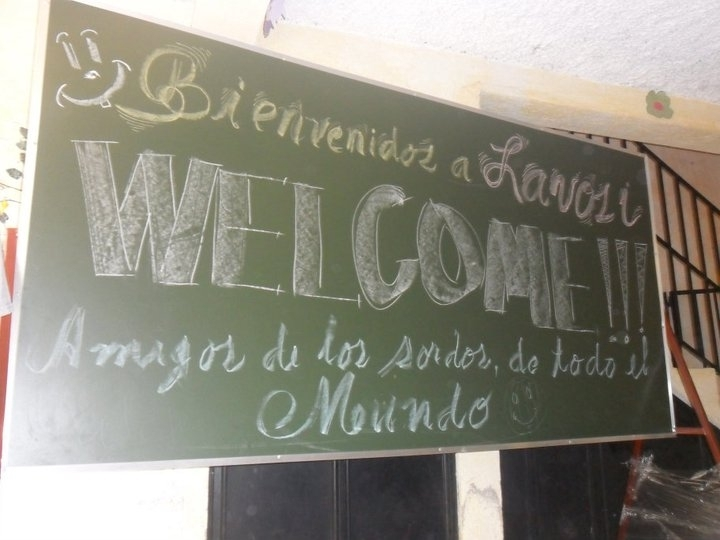LAVOSI welcomes volunteers from around the world.