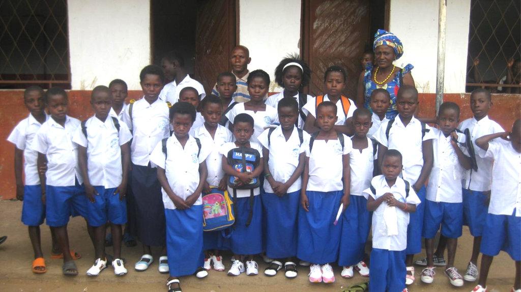 Luberizi schoolchildren after distribution