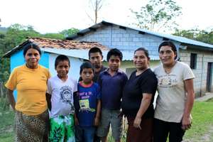 Maria and her family (Marcala, Honduras)