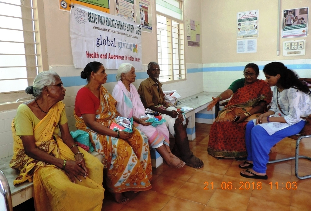 GG volunteer with beneficiaries