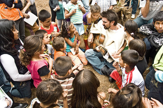 Building Peace Together - Creando Paz Juntos