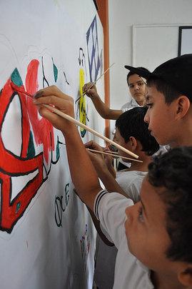 Painting a better future -Pintando un futuro mejor