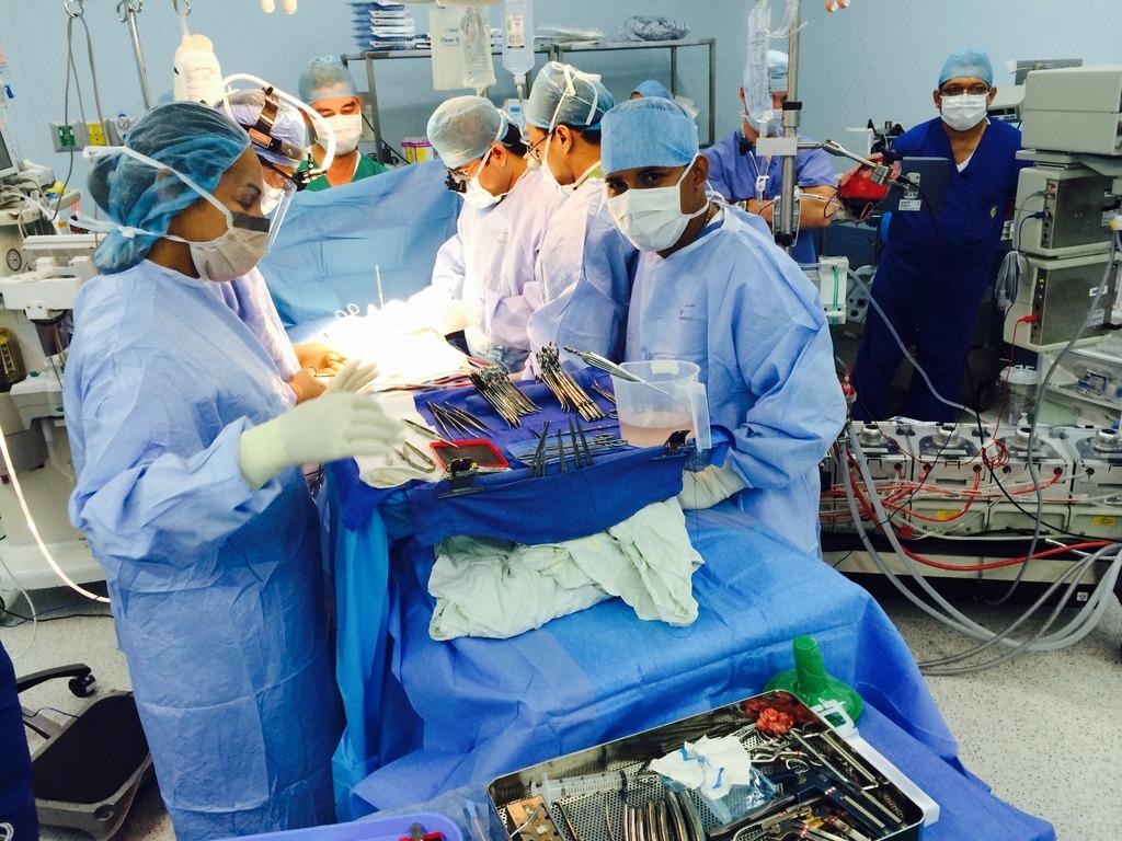 Dr. Chai Teaching During Surgery