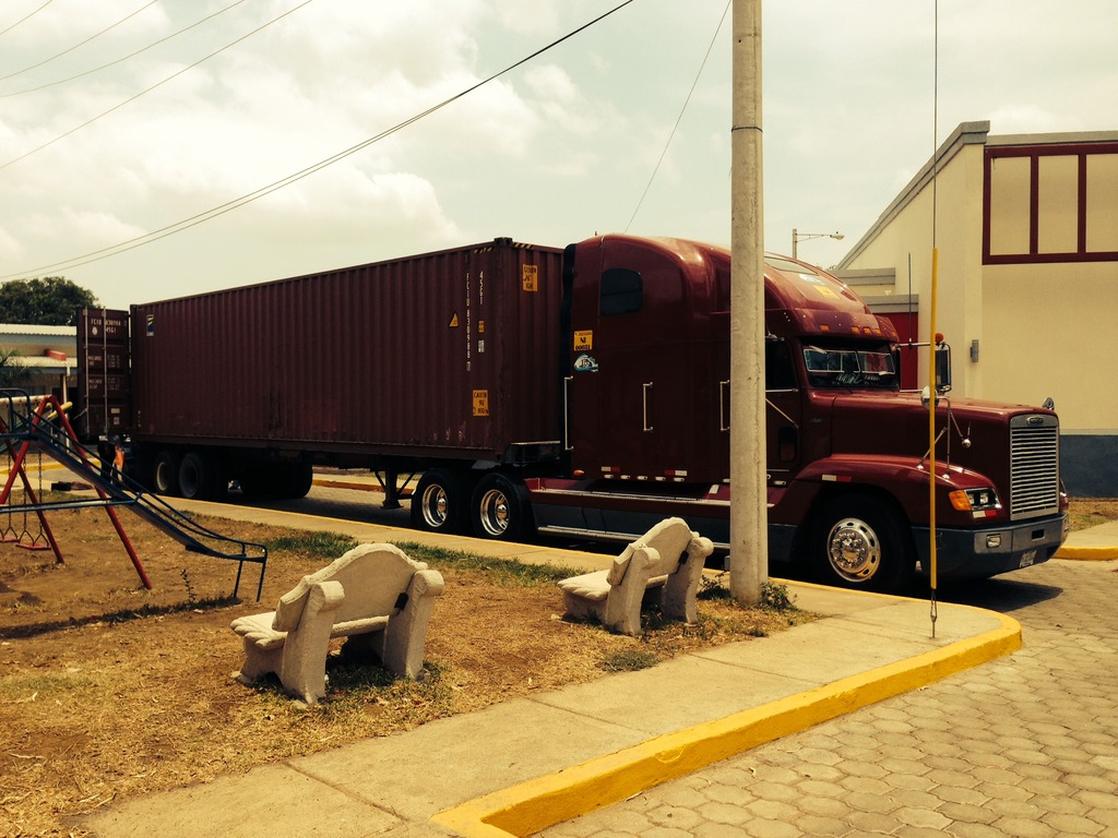 Truck with Cath Lab Arrives at the Heart Center